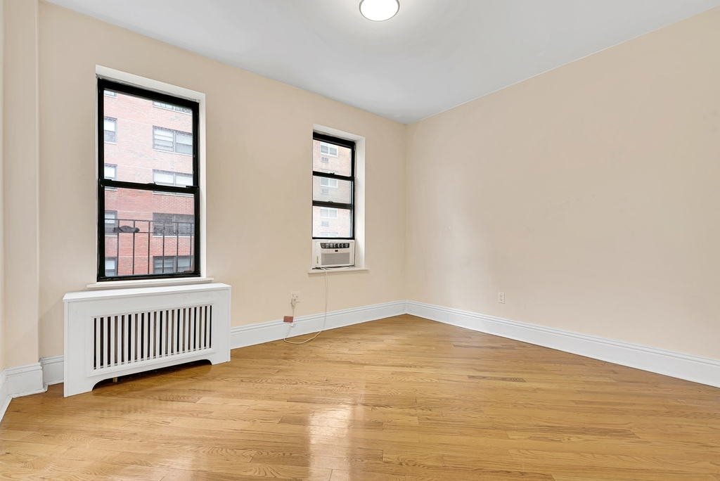 226 East 70th Street - Photo 1