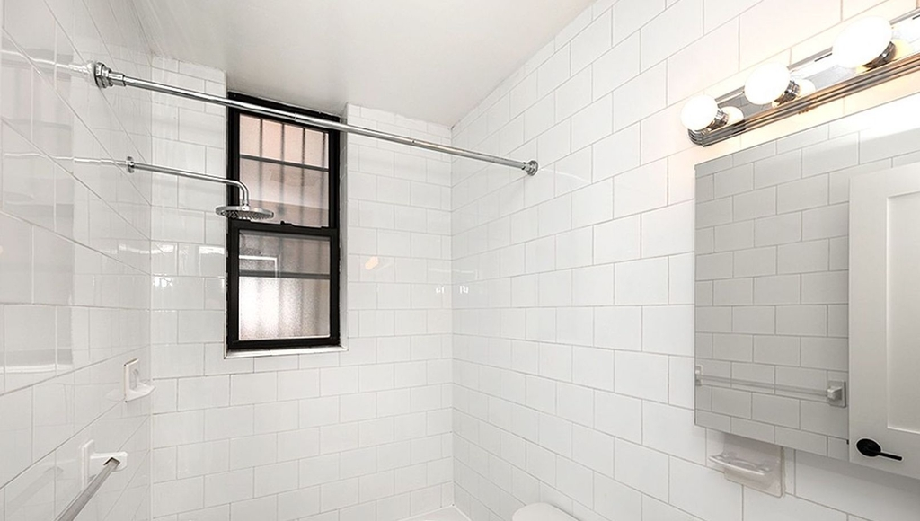 315 east 84th St - Photo 7