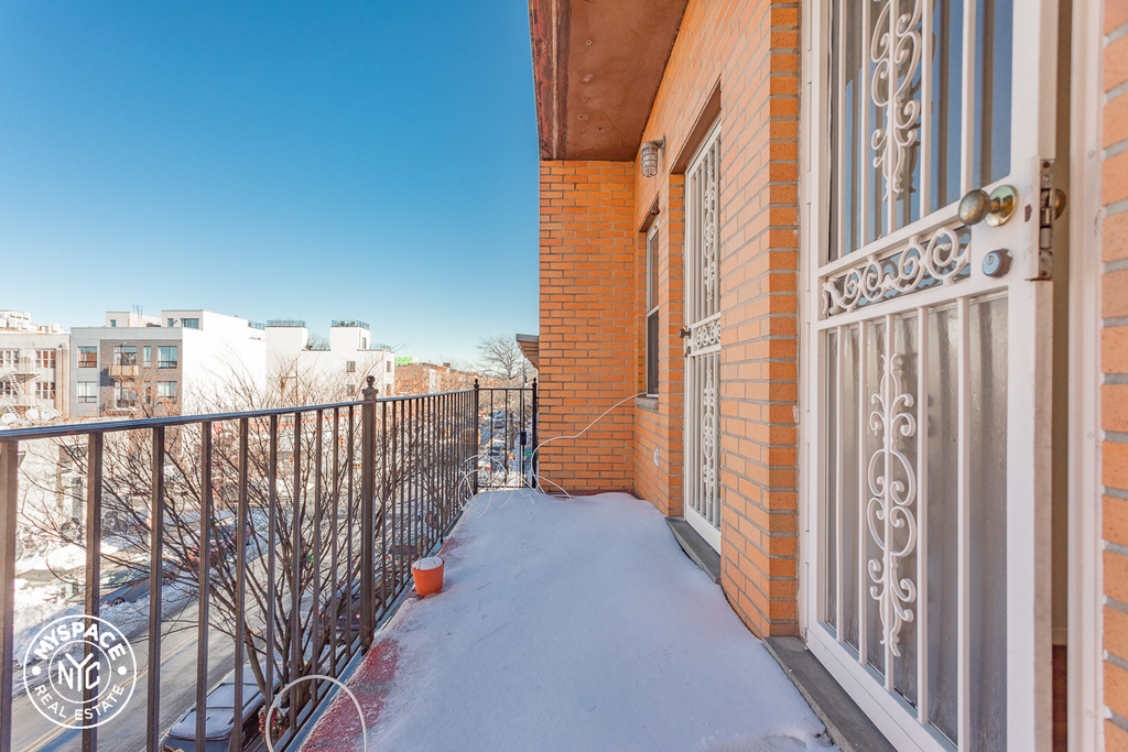 546 St Marks Avenue - Photo 0