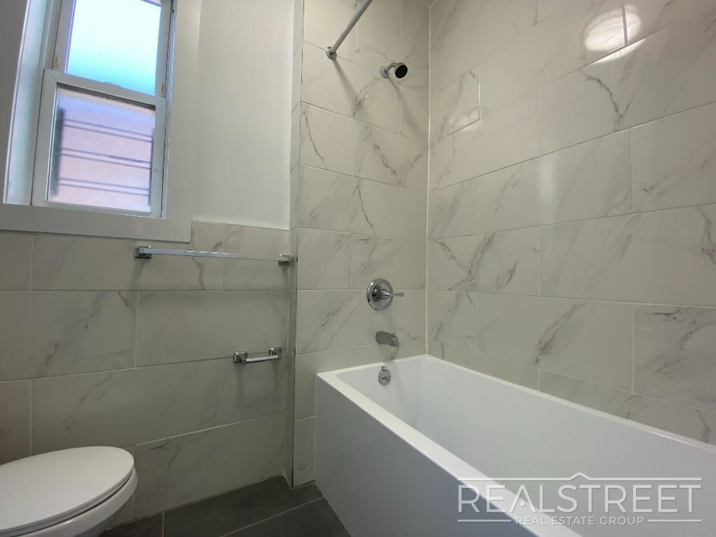 82 Somers St - Photo 8