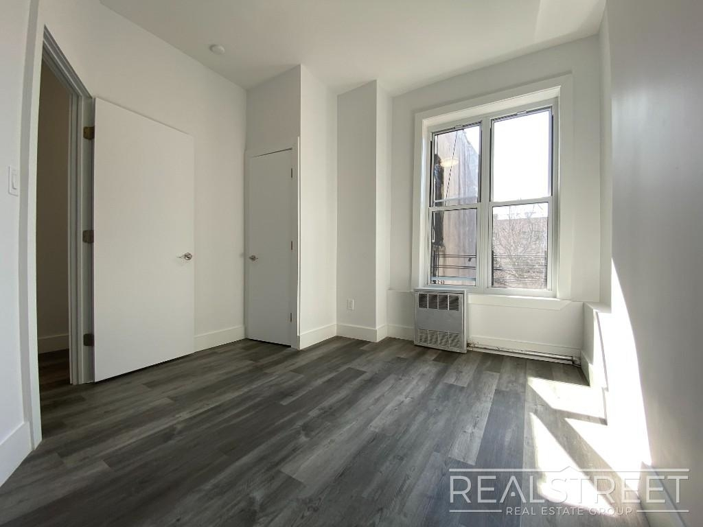 82 Somers St - Photo 5
