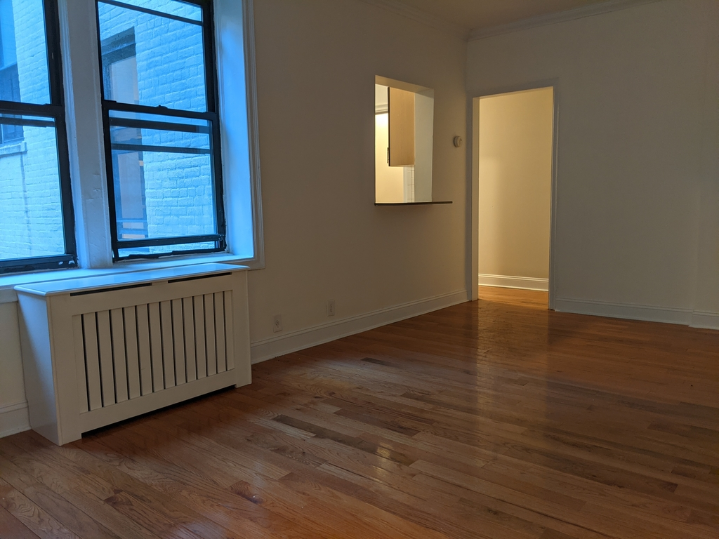 33st 28th Ave - Photo 3