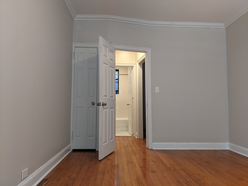 33st 28th Ave - Photo 5