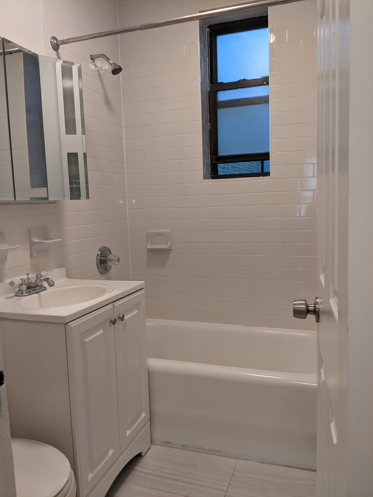 33st 28th Ave - Photo 6
