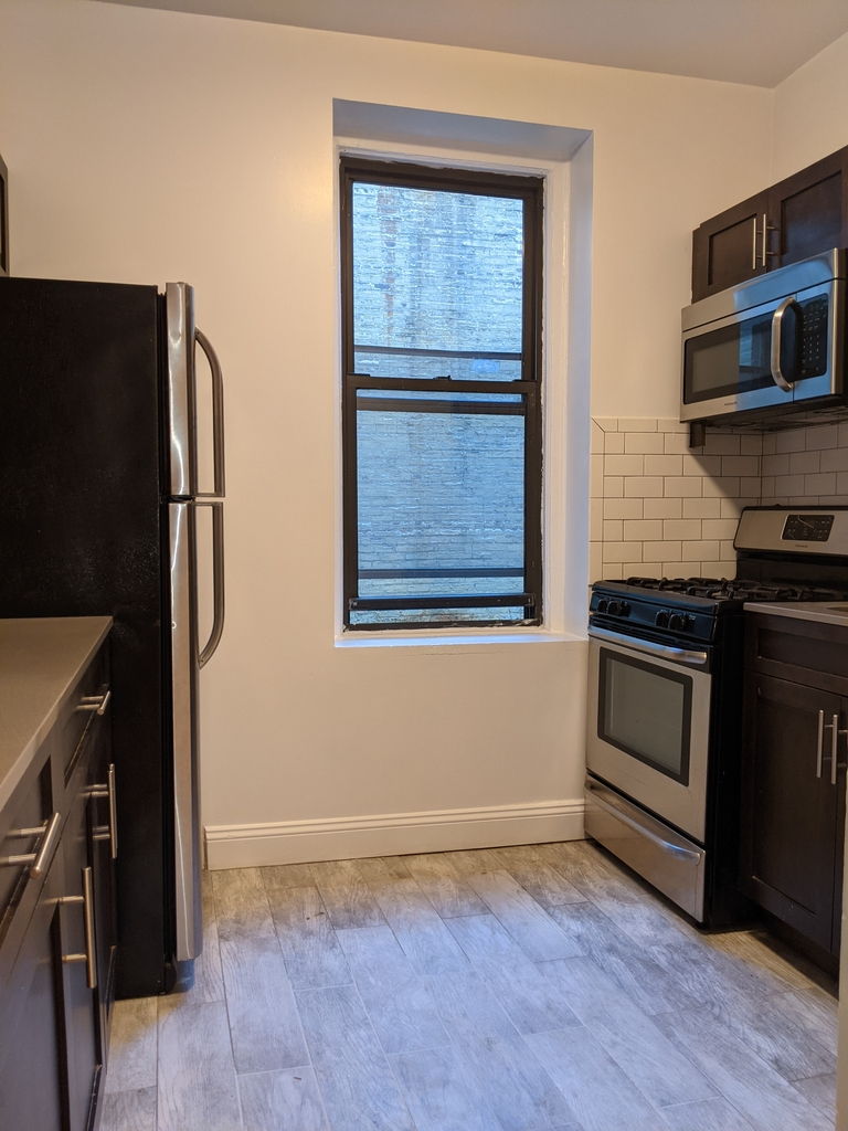33st 28th Ave - Photo 1