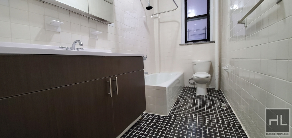 West 98th Street - Photo 3
