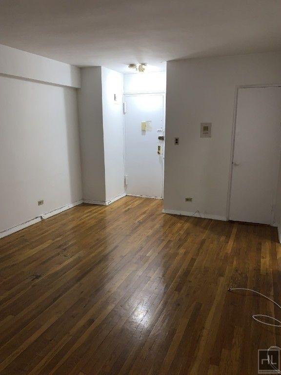 340 East 58 Street - Photo 1