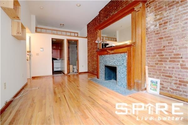 West 75th Street - Photo 2