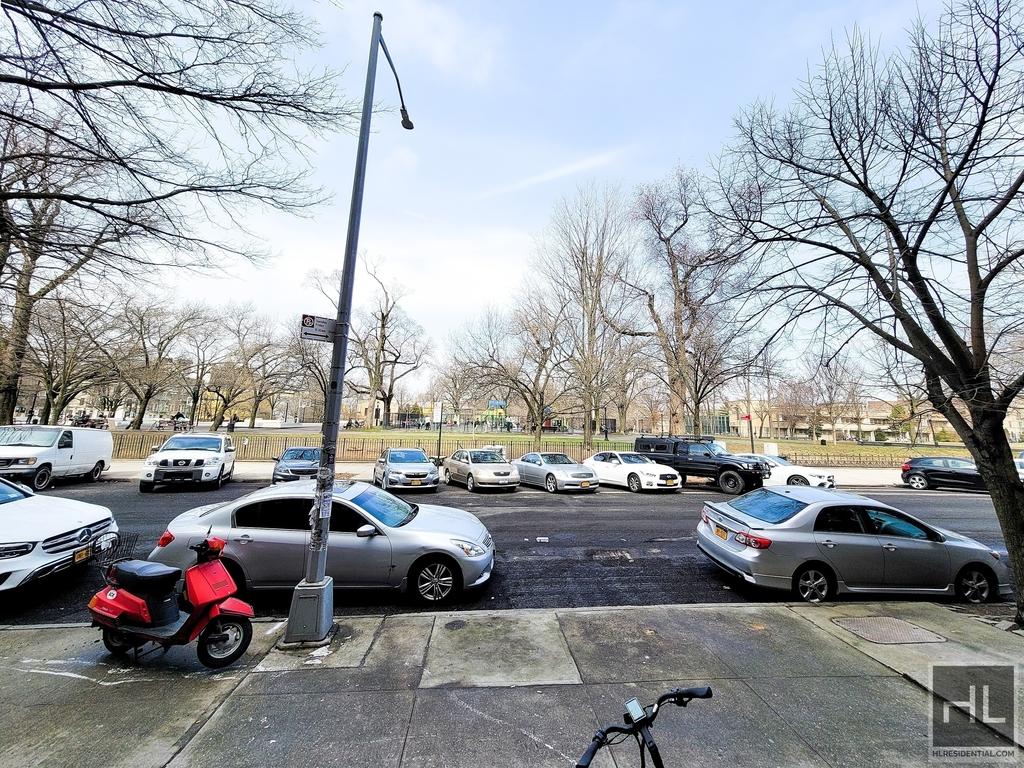 1020 Park Place - Photo 11