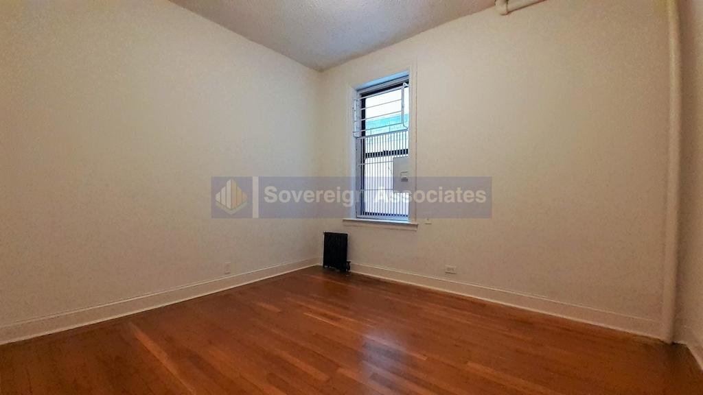 615 Fort Washington Avenue - Photo 2