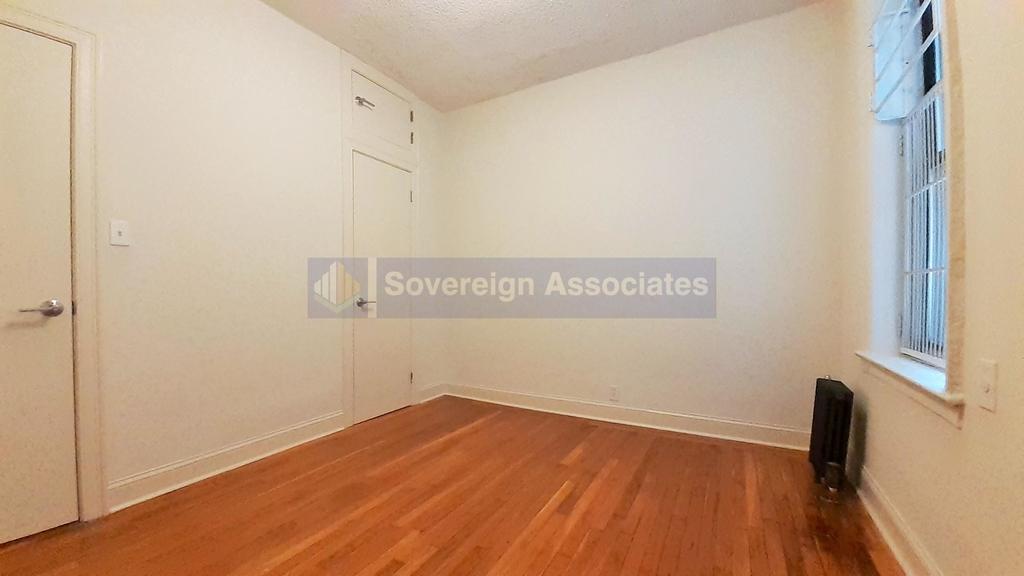 615 Fort Washington Avenue - Photo 3