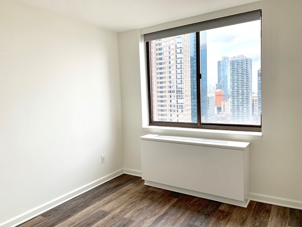 520 West 43rd Street - Photo 7