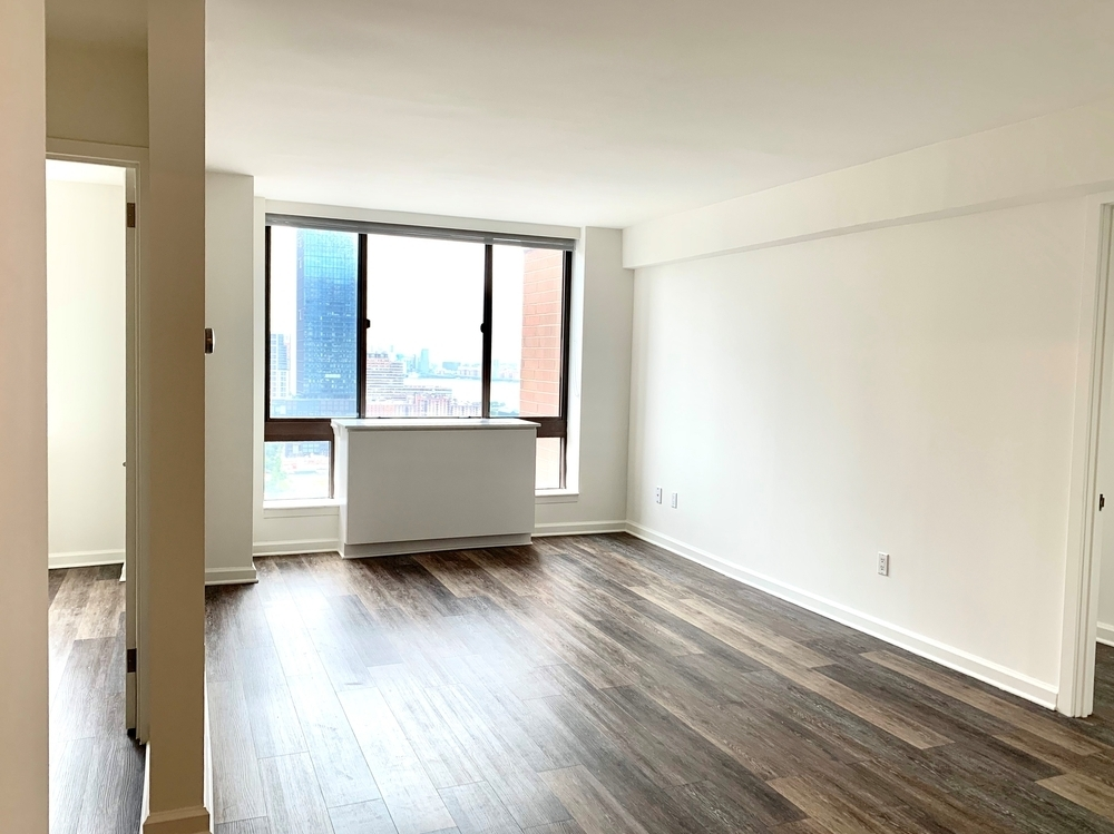 520 West 43rd Street - Photo 0