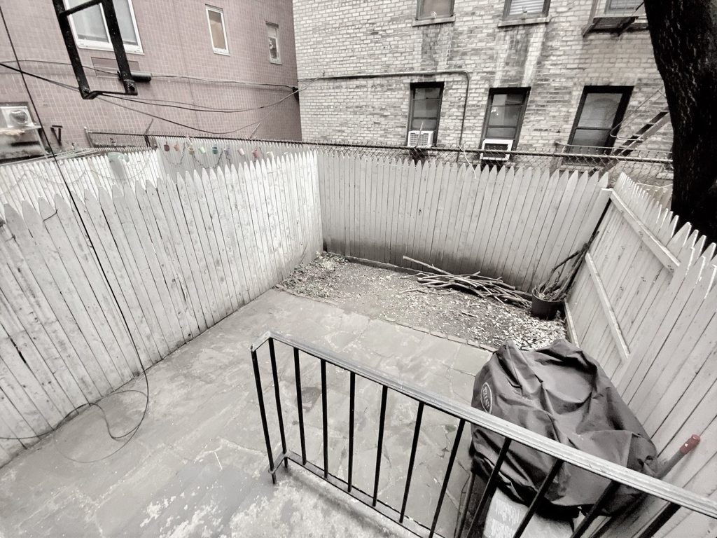 304 East 38th Street - Photo 0