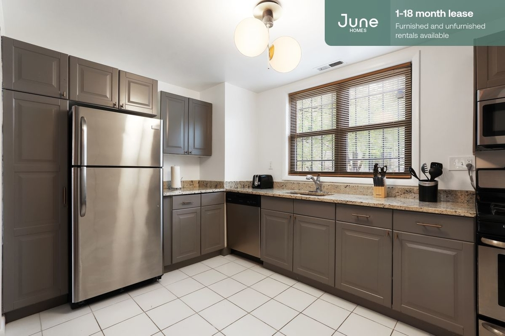 1242 11th Street North West - Photo 3