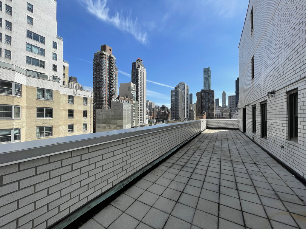 East 64th Street - Photo 0