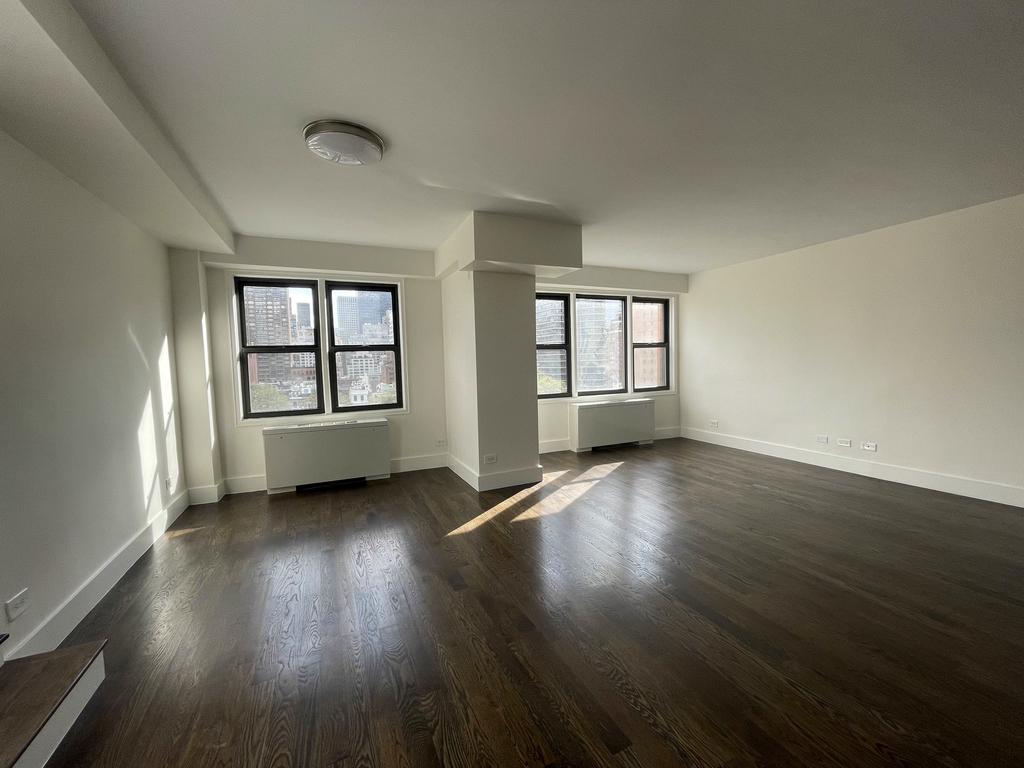 East 64th Street - Photo 2