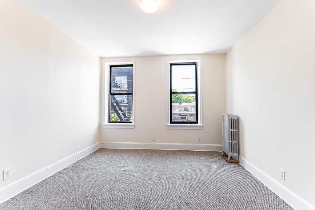 12-23 30th Avenue - Photo 4
