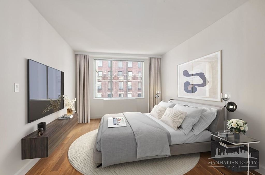 Luxury in the Heart of Midtown - Photo 3
