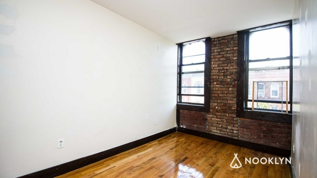 184 Irving Avenue - Photo 2