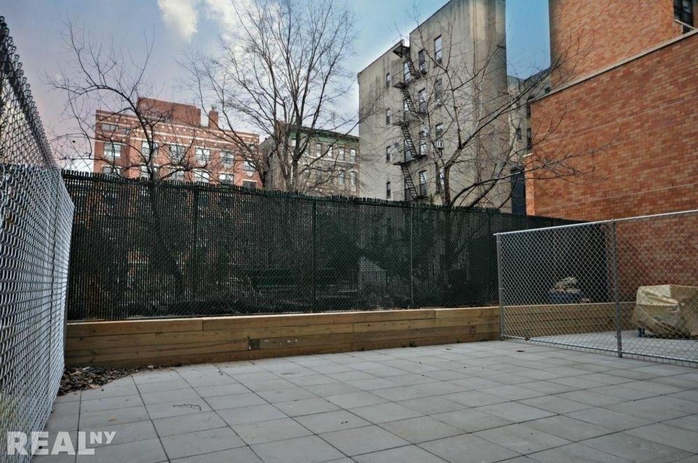 321 East Third Street - Photo 3