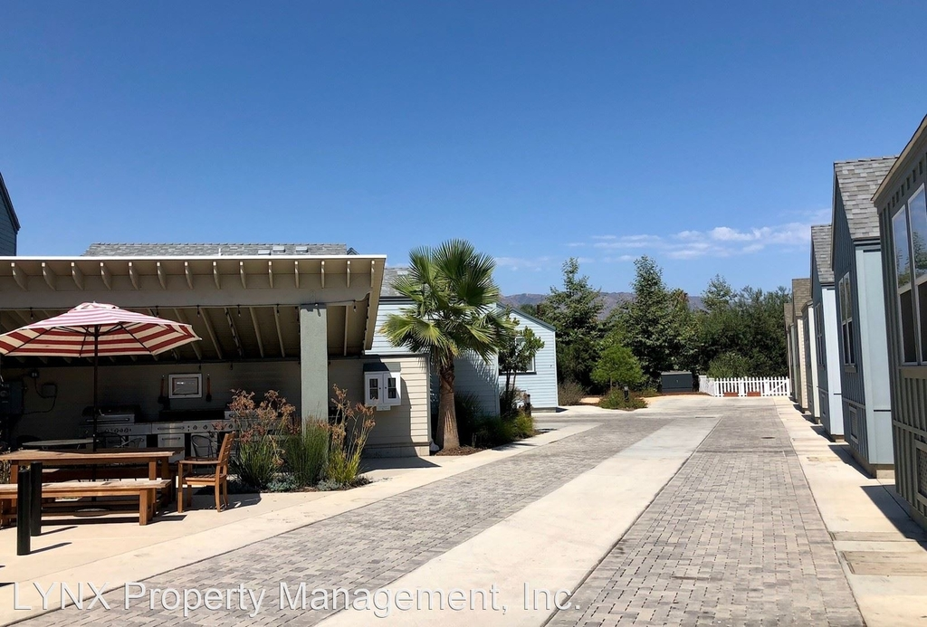 1130 Punta Gorda Street - Photo 2