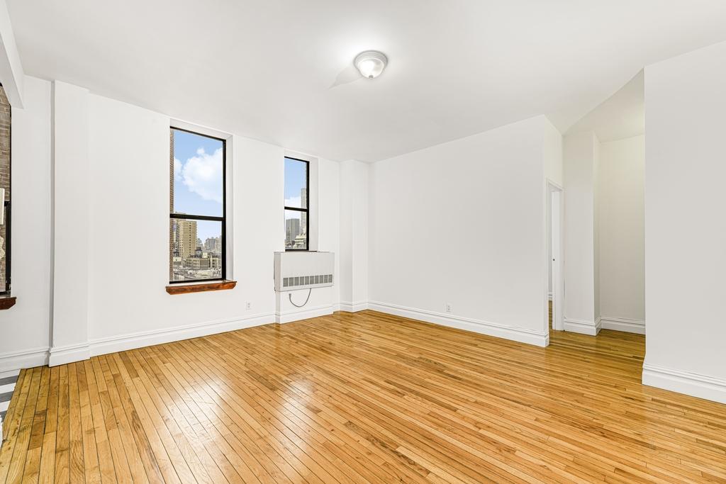154 West 70th Street - Photo 7