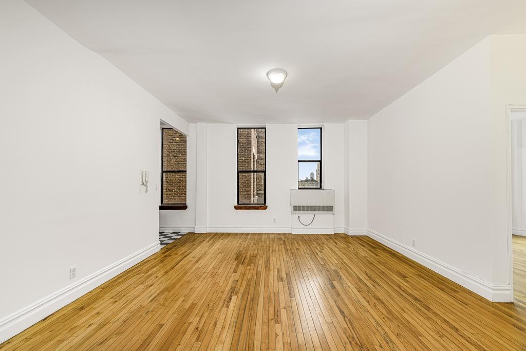 154 West 70th Street - Photo 5
