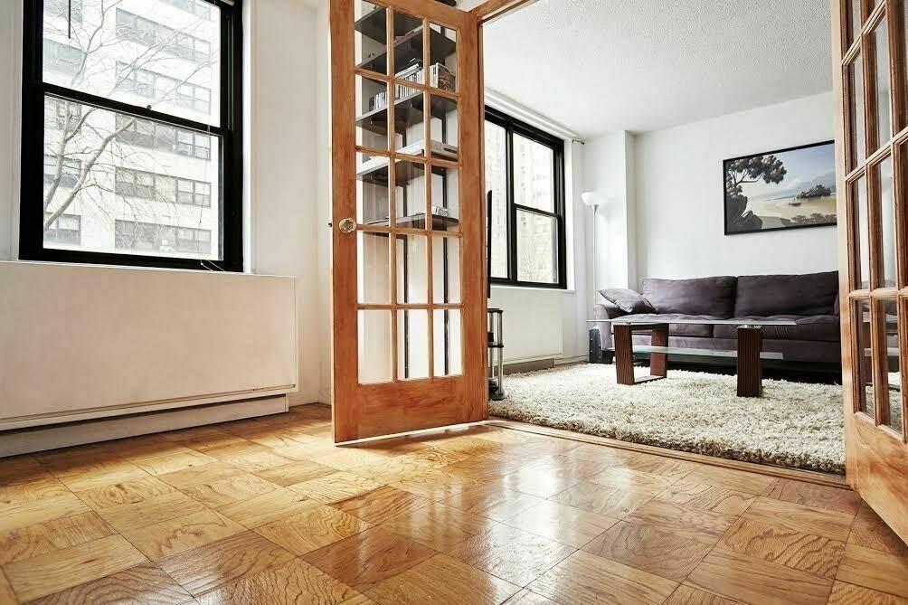 301 East 87th Street - Photo 3