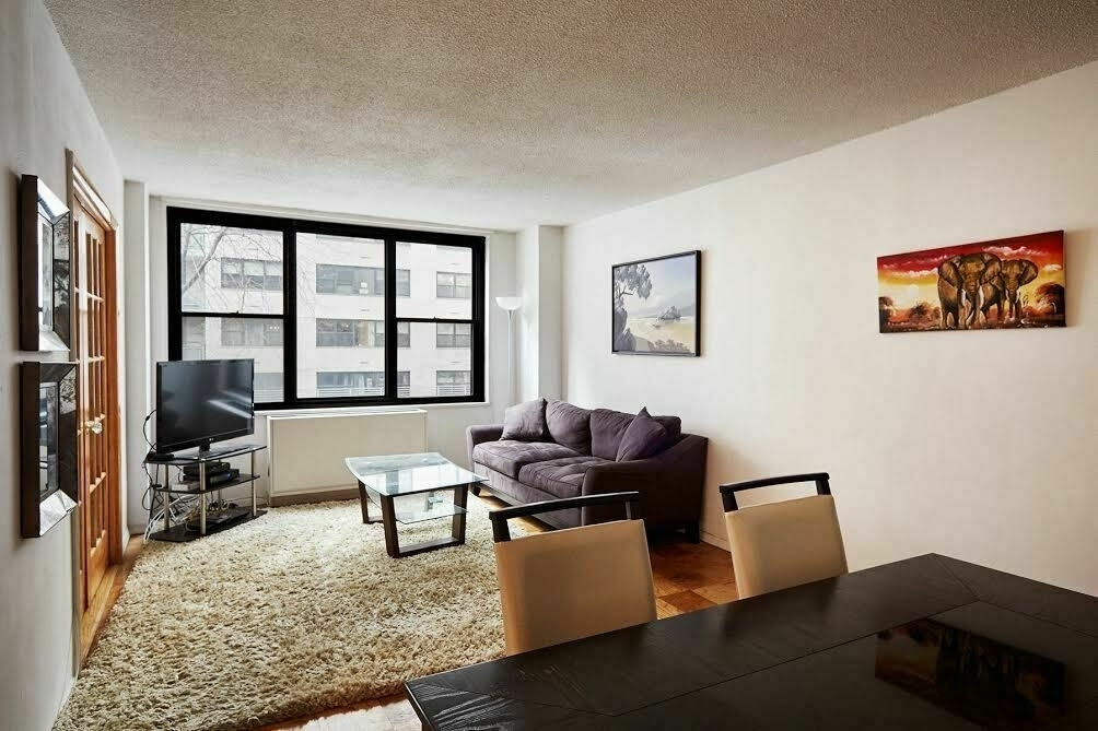 301 East 87th Street - Photo 1