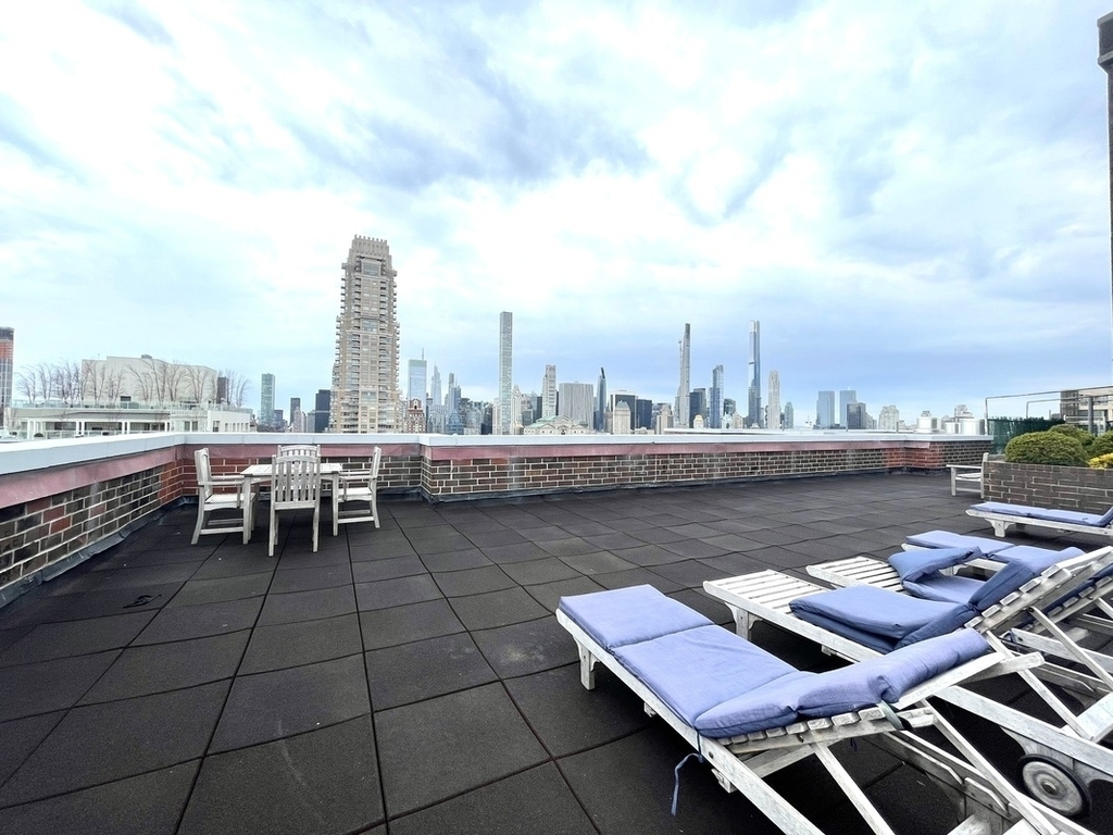 Copy of 200 East 72nd Street - Photo 4