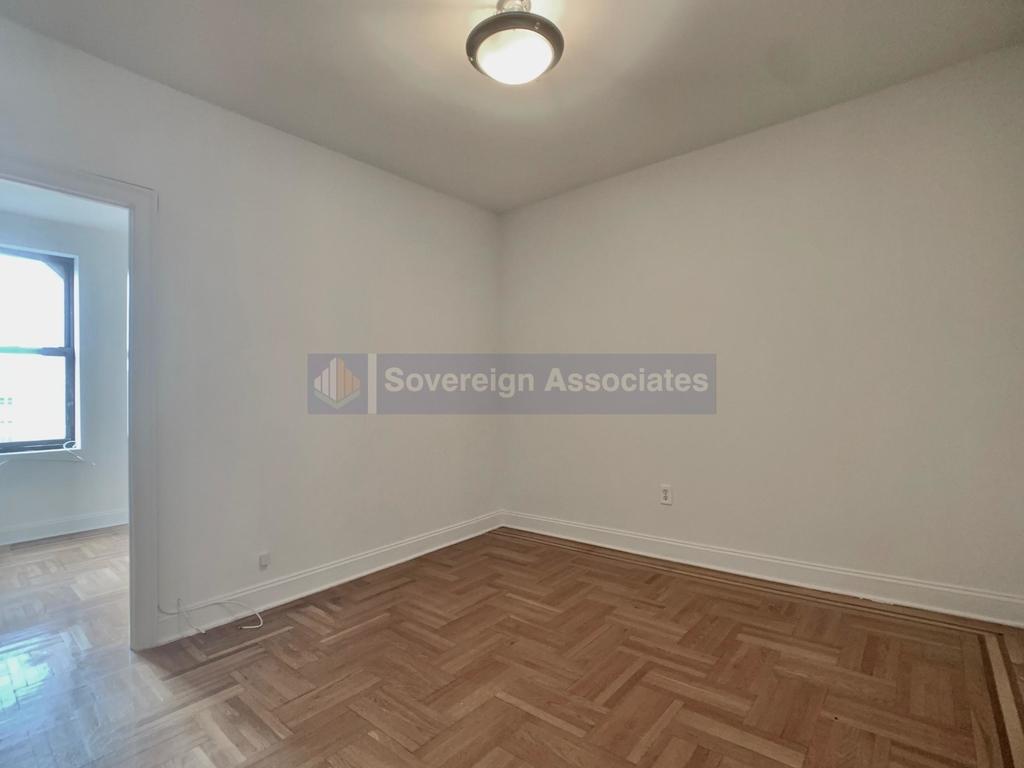 660 Fort Washington Avenue - Photo 0