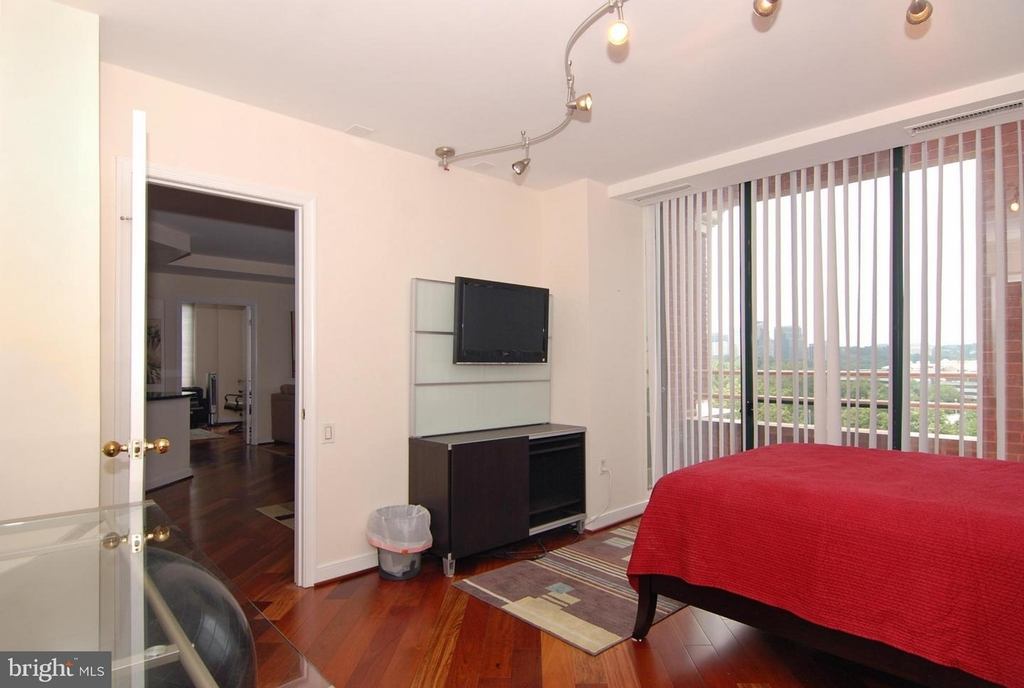 955 26th St Nw #710 - Photo 16