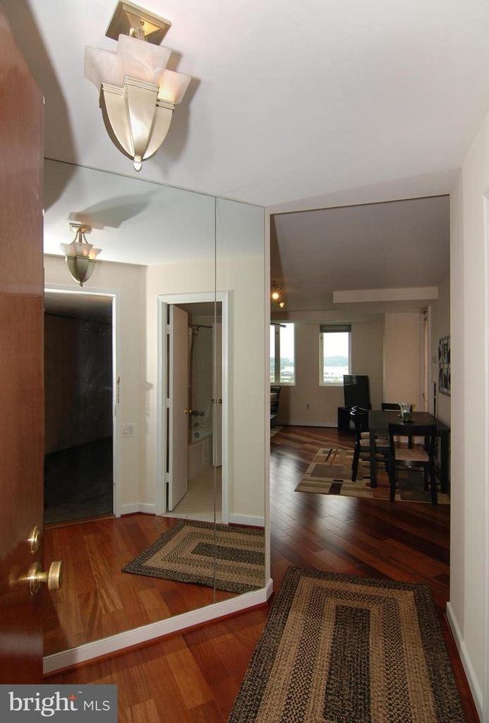 955 26th St Nw #710 - Photo 2