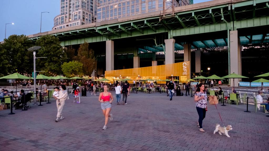 180 Riverside Blvd - Photo 45