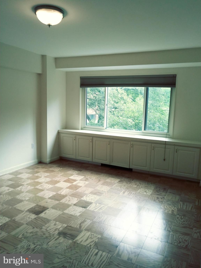 4201 Cathedral Avenue Nw - Photo 25