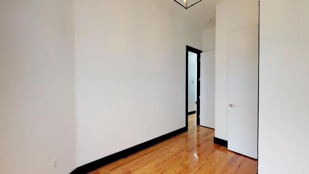 954 Madison Street - Photo 10