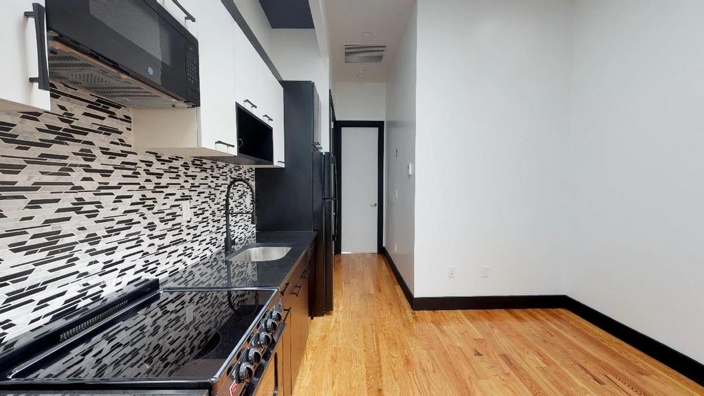 954 Madison Street - Photo 4