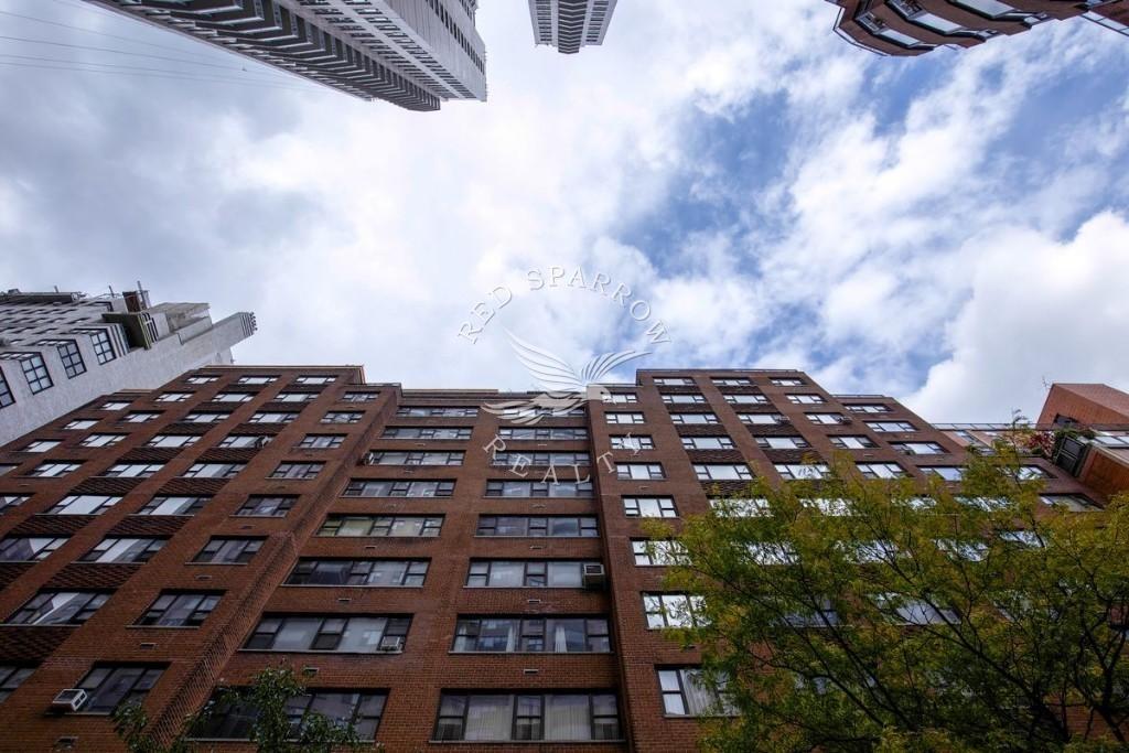 East 56th Street - Photo 9