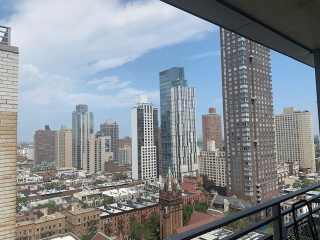 305 East 86th Street - Photo 6