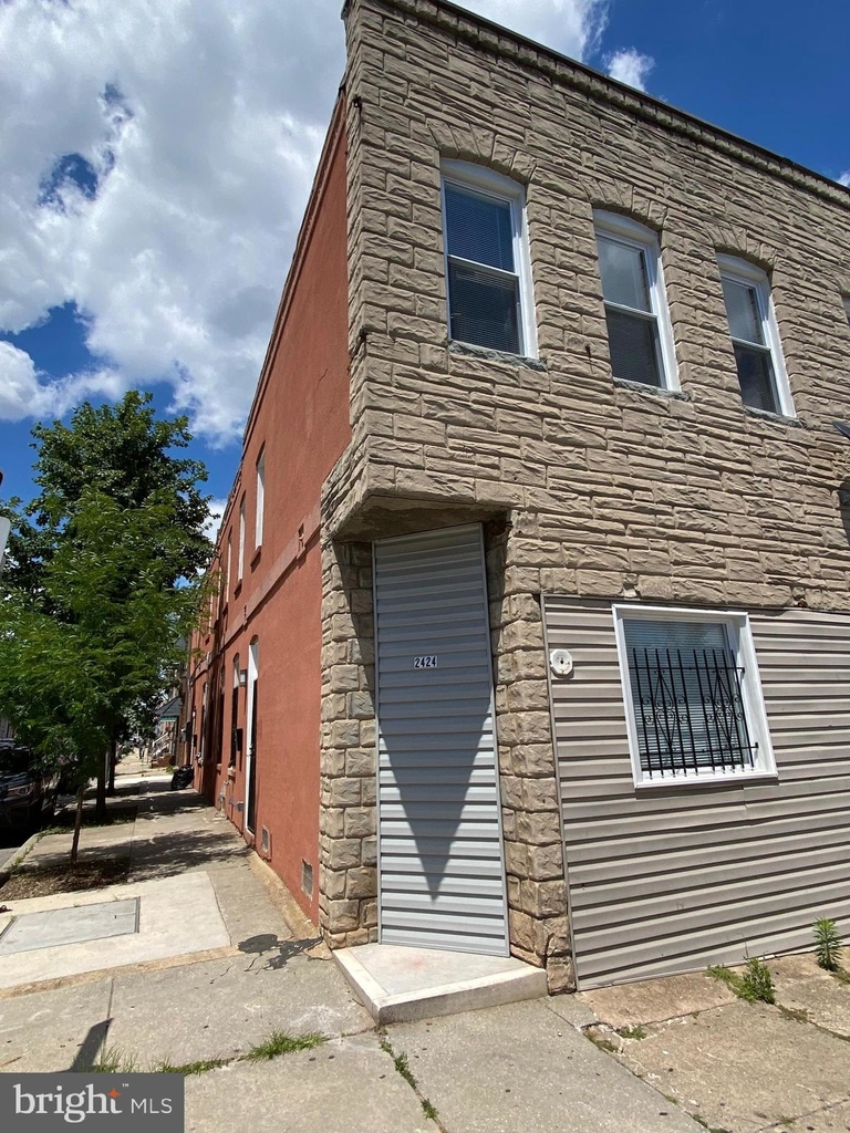 2424 E Fayette Street - Photo 31