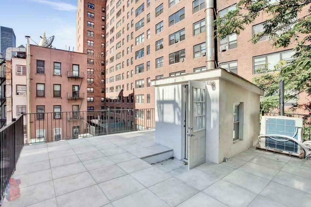 213 East 26th Street - Photo 6