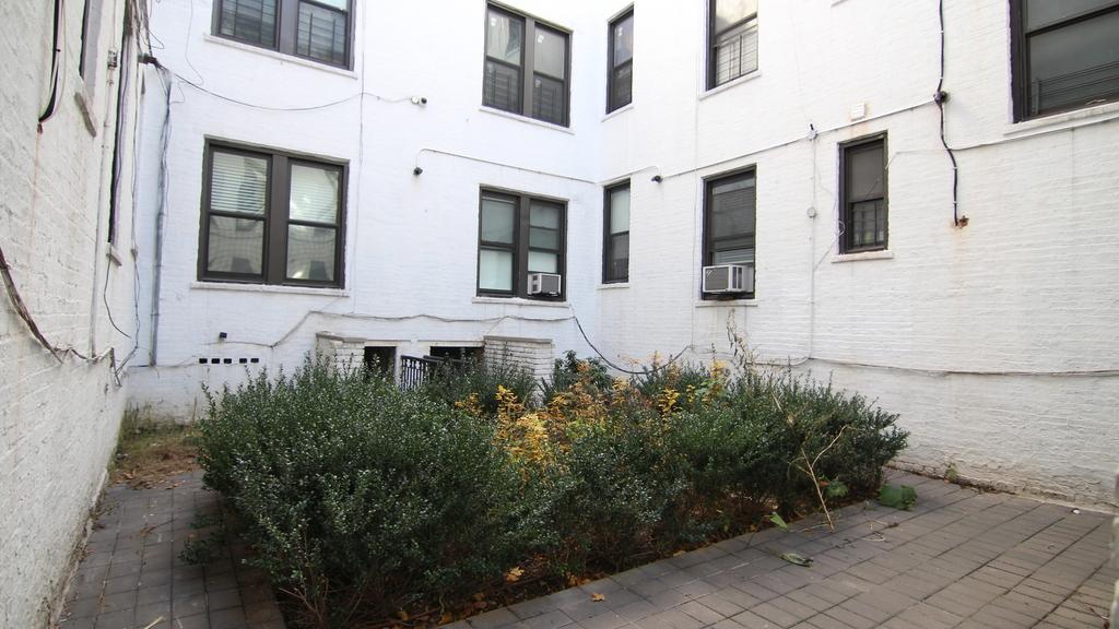 35 Clarkson Ave - Unit: 1A - Photo 7