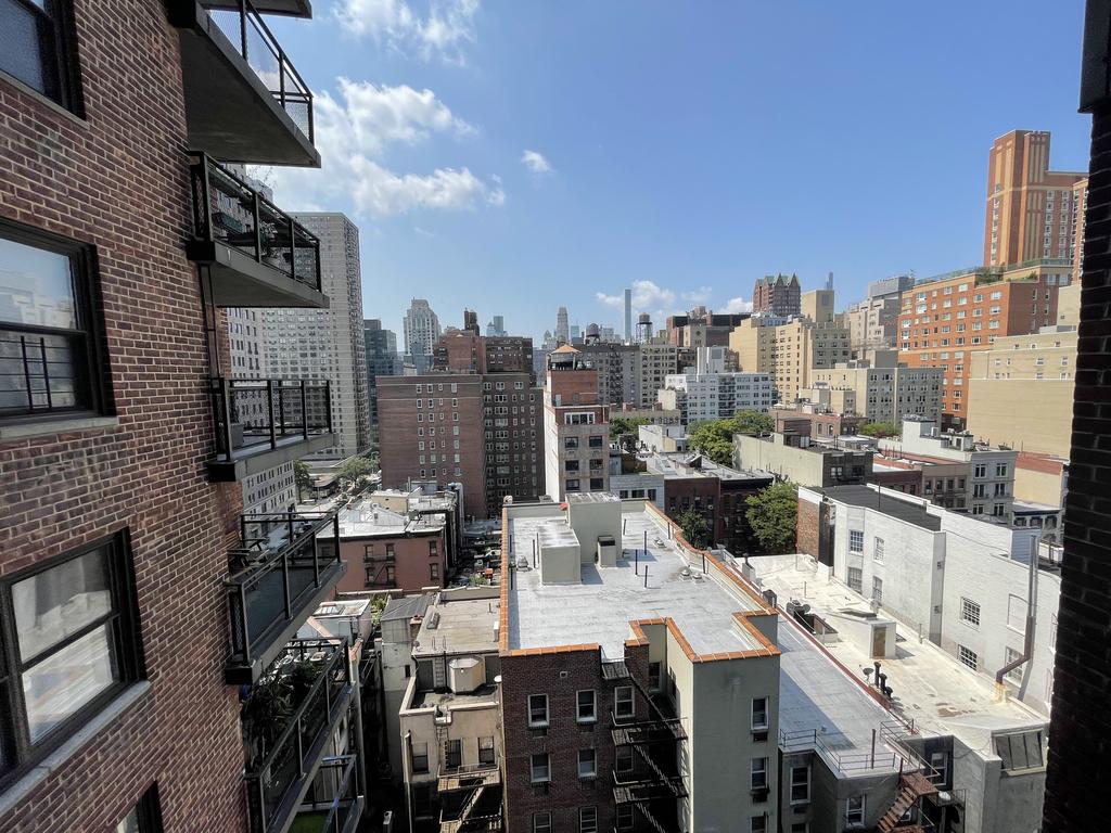 345 East 81st Street - Photo 6