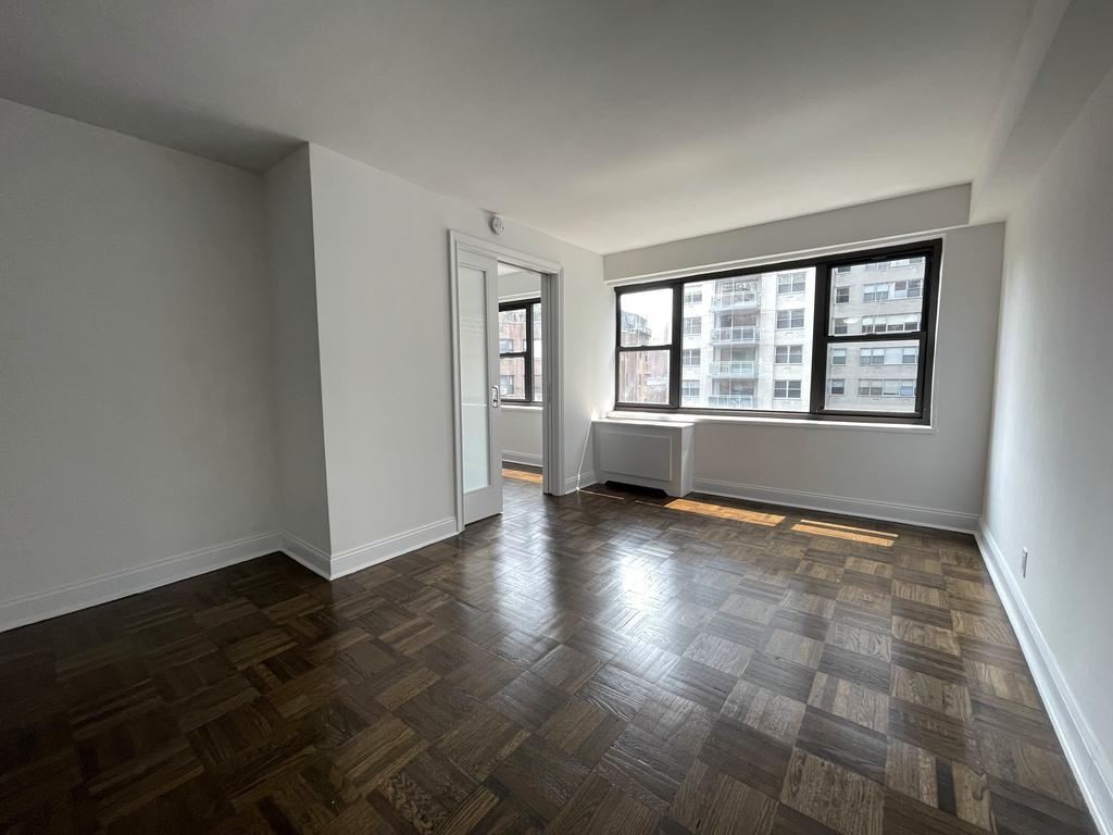 405 East 56th Street - Photo 6