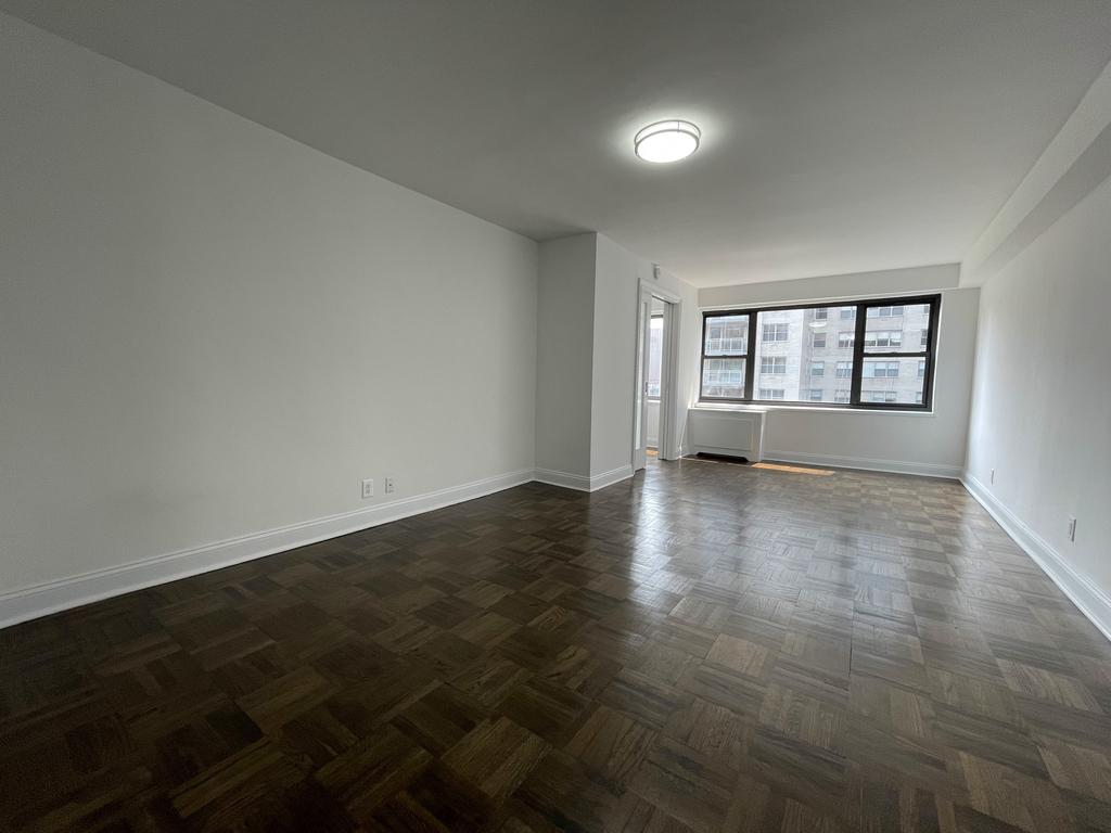 405 East 56th Street - Photo 2