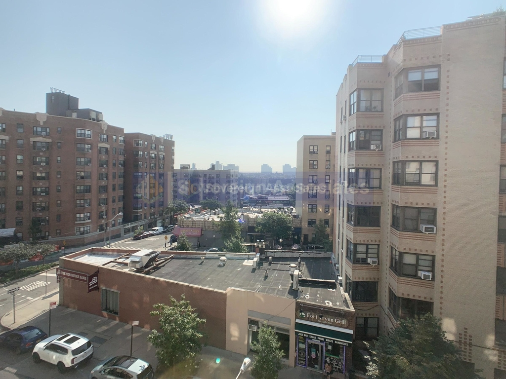 240 Cabrini Boulevard - Photo 9