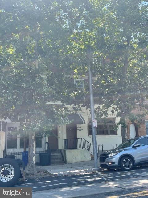 4714 Woodland Avenue - Photo 2