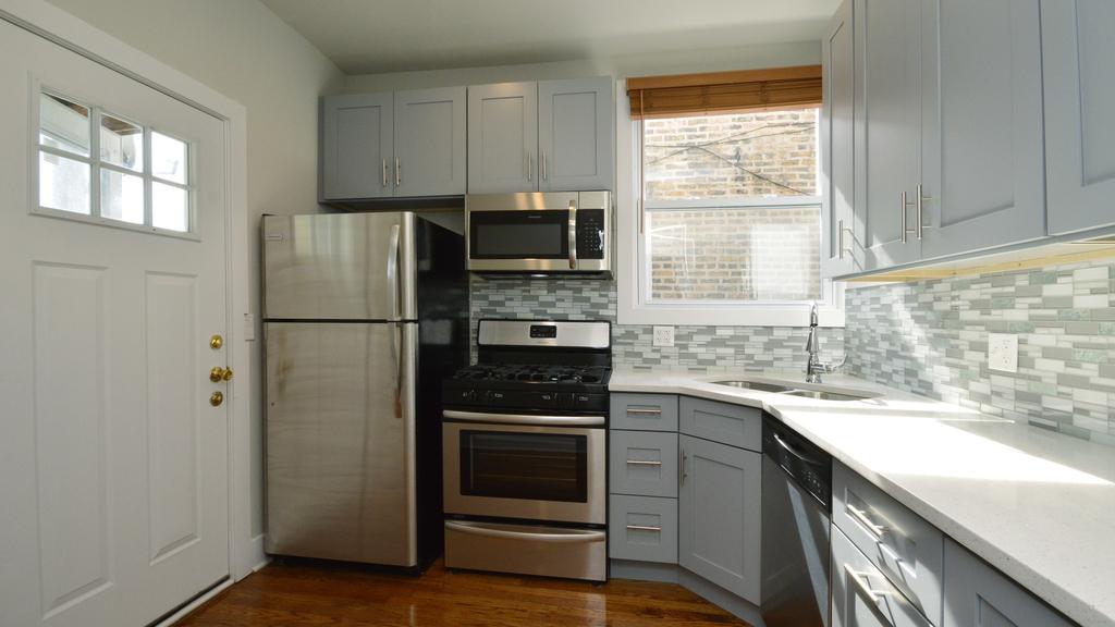 6459 North Glenwood Avenue - Photo 10