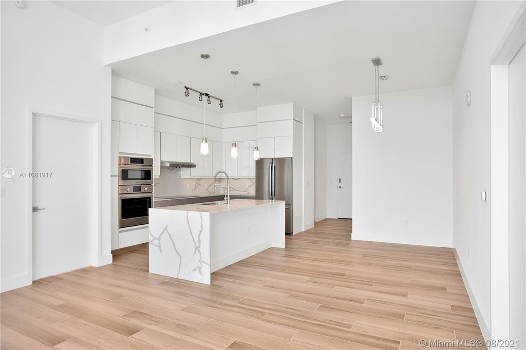 400 Nw 1st Ave - Photo 14